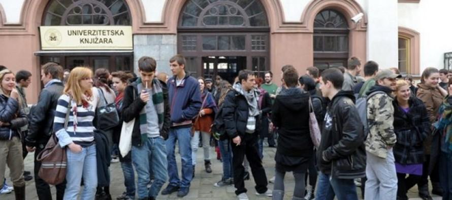 Ministar prosvete na strani studenata