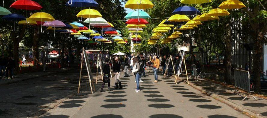 "Organizatori ""Kampus festa"" u znak protesta postavili odeću"