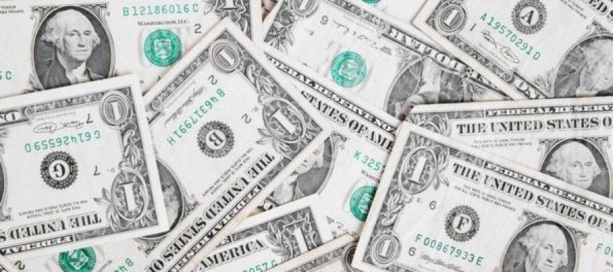 Platio školarinu novčanicama od jednog dolara