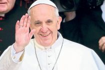 Papa ukinuo latinski