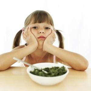 devojcica-jede