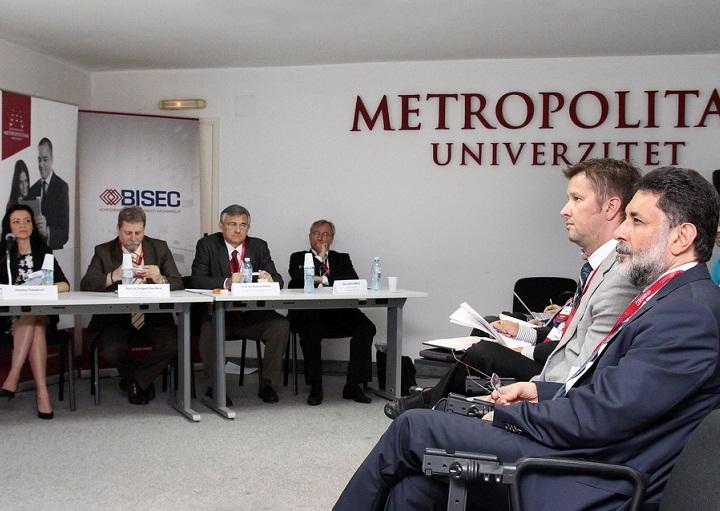 metropolitan 4