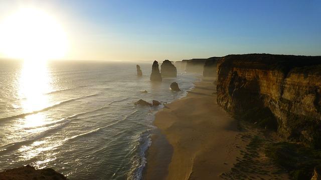 cliff-557066_640