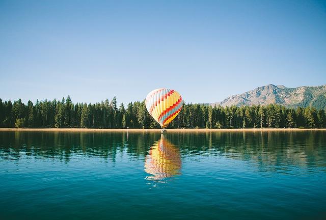 hot-air-balloon-1149183_640