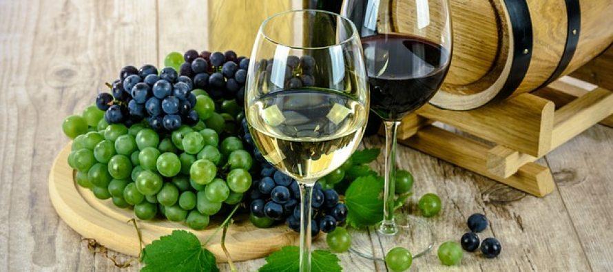 Kako vino štiti zube?