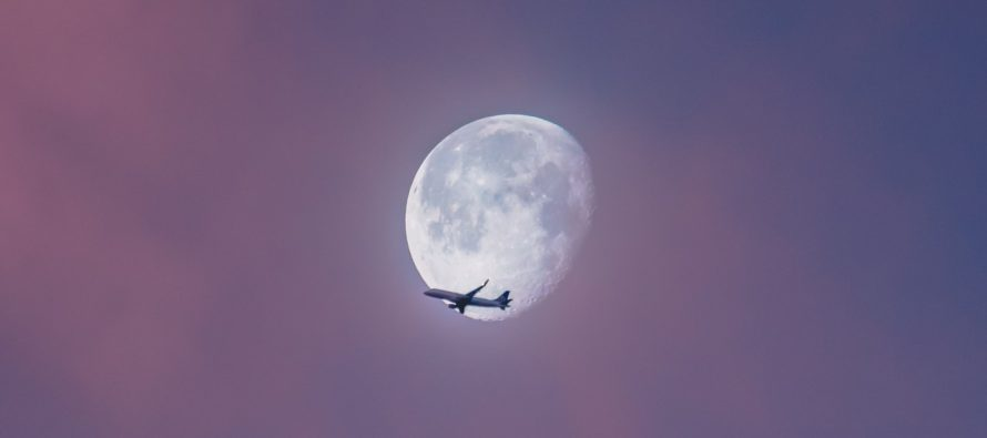 Odložena turistička tura oko Meseca?