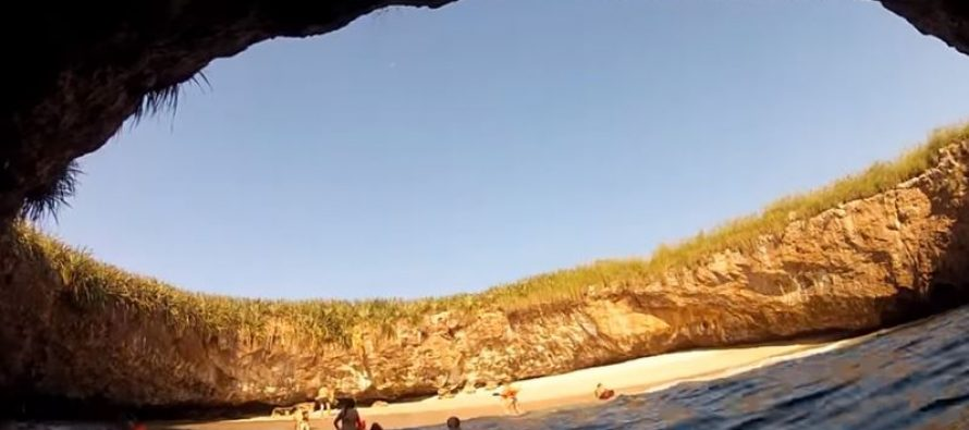 Ova skrivena plaža osvojila je Internet!