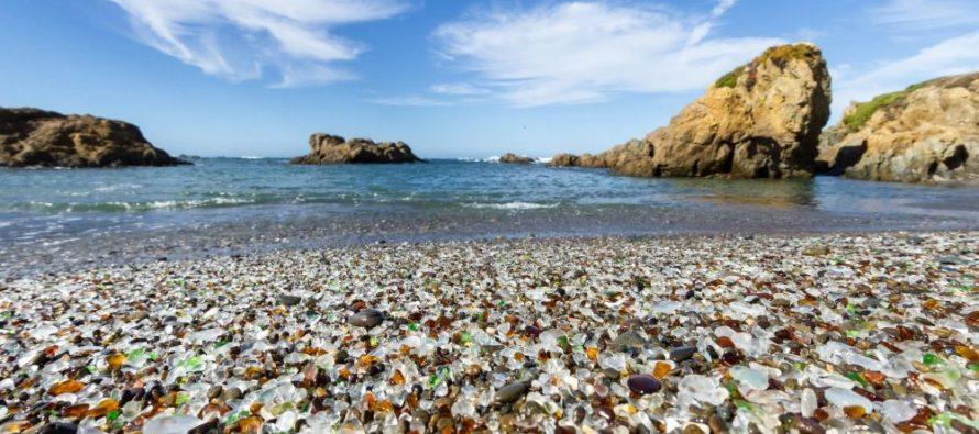 """""""Staklena plaža"""" u Kaliforniji"""